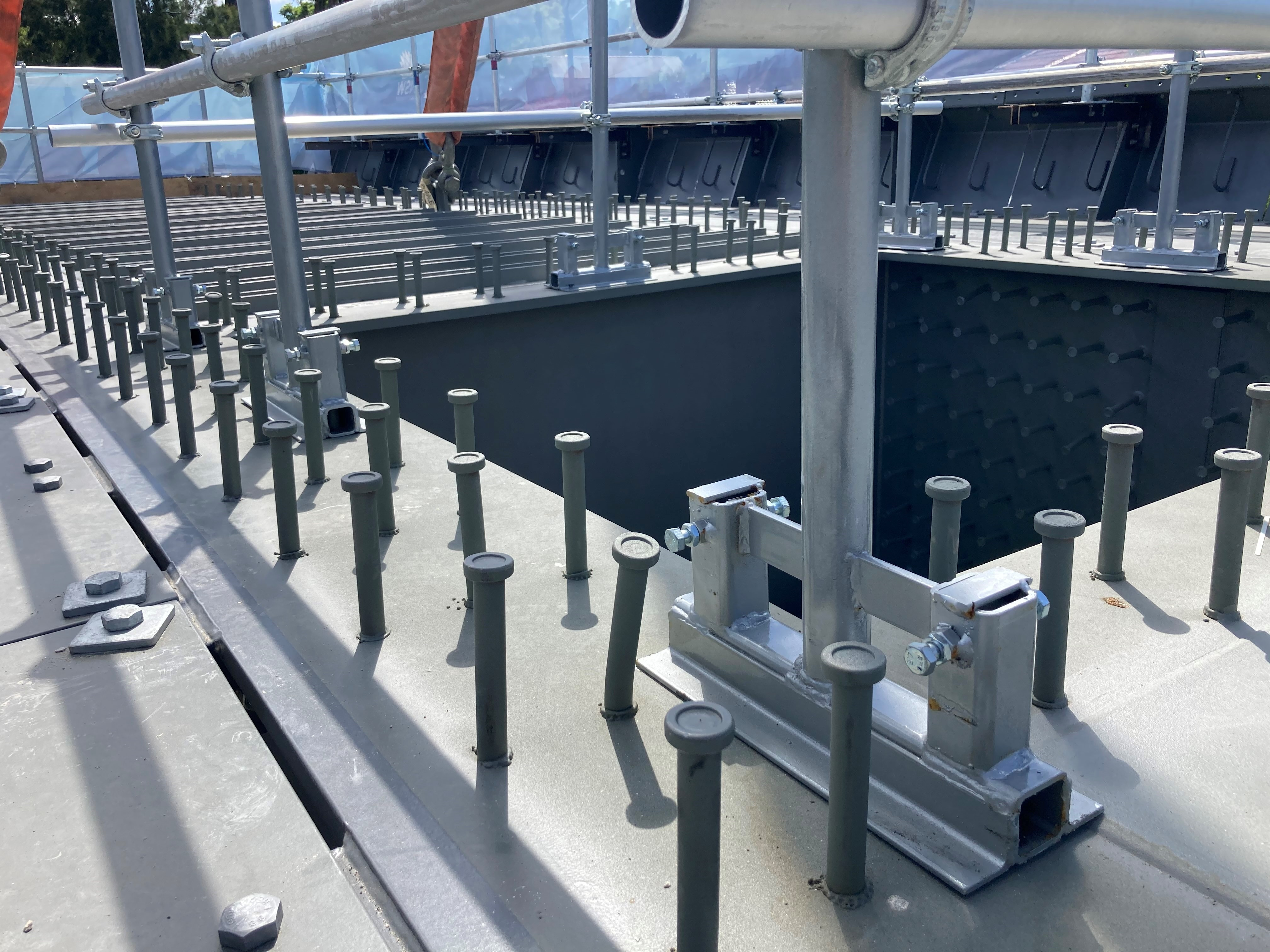SafeSmart Access solving edge protection problems by designing and engineering bespoke brackets